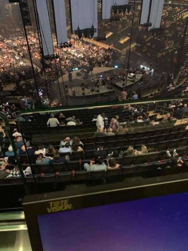Madison Square Garden, vak: 216, rij: 1, stoel: 14