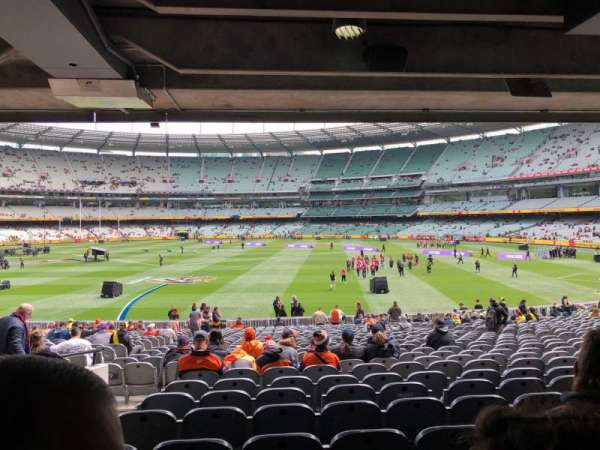 Melbourne Cricket Ground, vak: M9, rij: HH, stoel: 15
