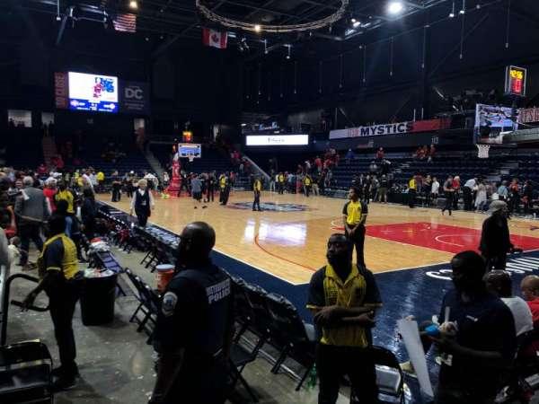 Entertainment and Sports Arena, vak: 103, rij: B, stoel: 5