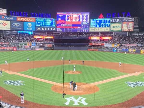 Yankee Stadium, vak: 220B, rij: 3, stoel: 9
