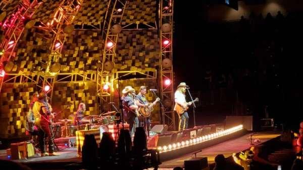 VyStar Veterans Memorial Arena, vak: 116, rij: G, stoel: 2