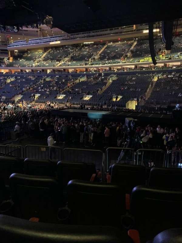 Madison Square Garden, vak: 109, rij: 8, stoel: 12