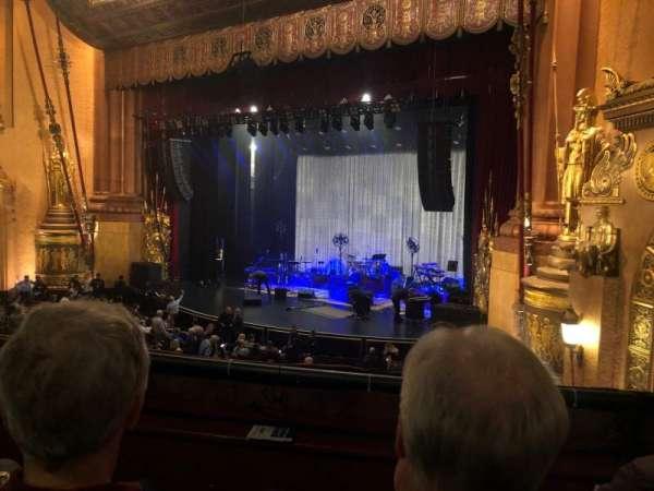 Beacon Theatre, vak: Loge 4, rij: B, stoel: 38