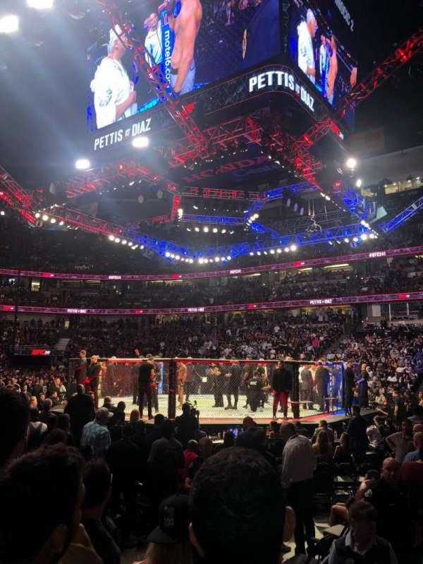 Staples Center, vak: 207, rij: C, stoel: 3