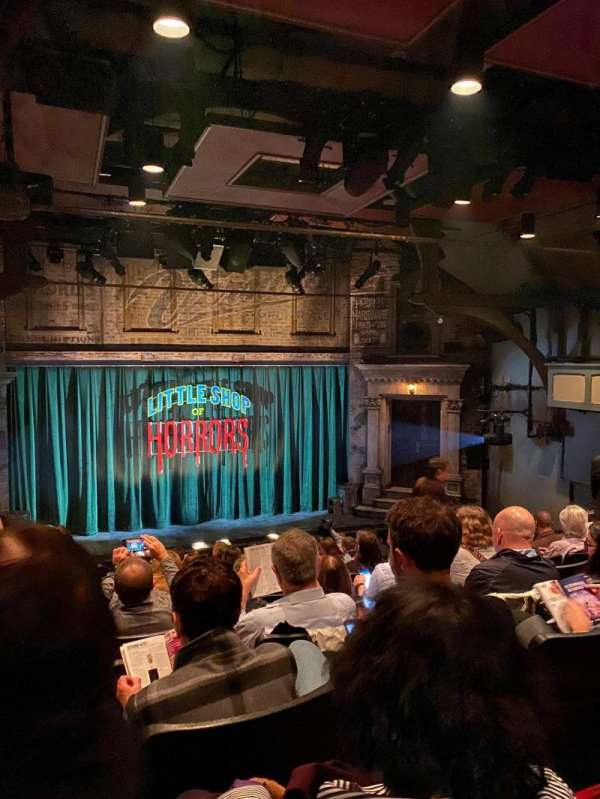 Westside Theatre, vak: Orchestra, rij: P, stoel: 112