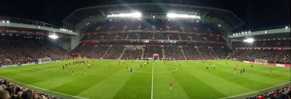 Anfield, vak: KK, rij: 24, stoel: 124