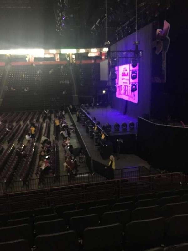 Manchester Arena, vak: 115, rij: N, stoel: 21