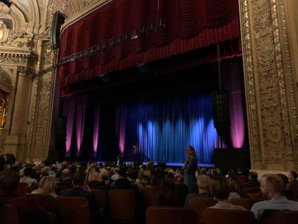 Chicago Theatre, vak: MNFL2R, rij: C, stoel: 208