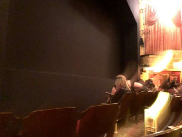 Bernard B. Jacobs Theatre, vak: Orchestra L, rij: C, stoel: 7