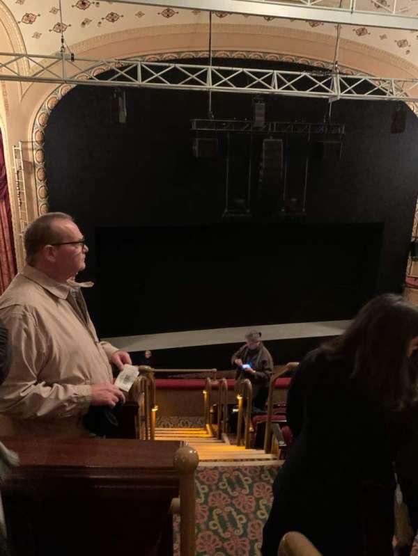 Bernard B. Jacobs Theatre, vak: Mezzanine L, rij: F, stoel: 1