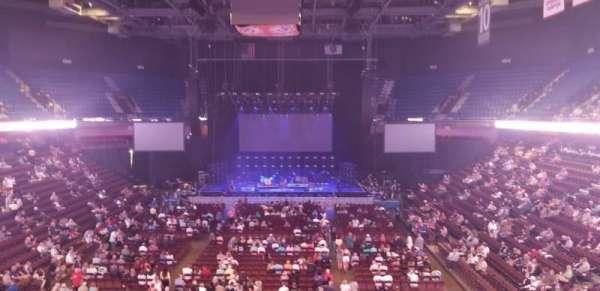 Mohegan Sun Arena , vak: 112, rij: A, stoel: 7