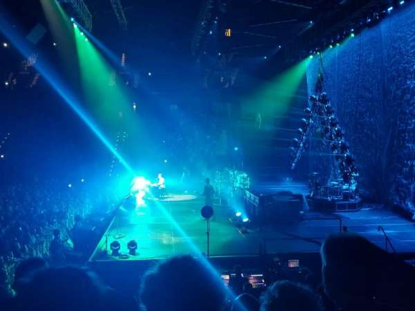 Mohegan Sun Arena, vak: 14, rij: M, stoel: 12