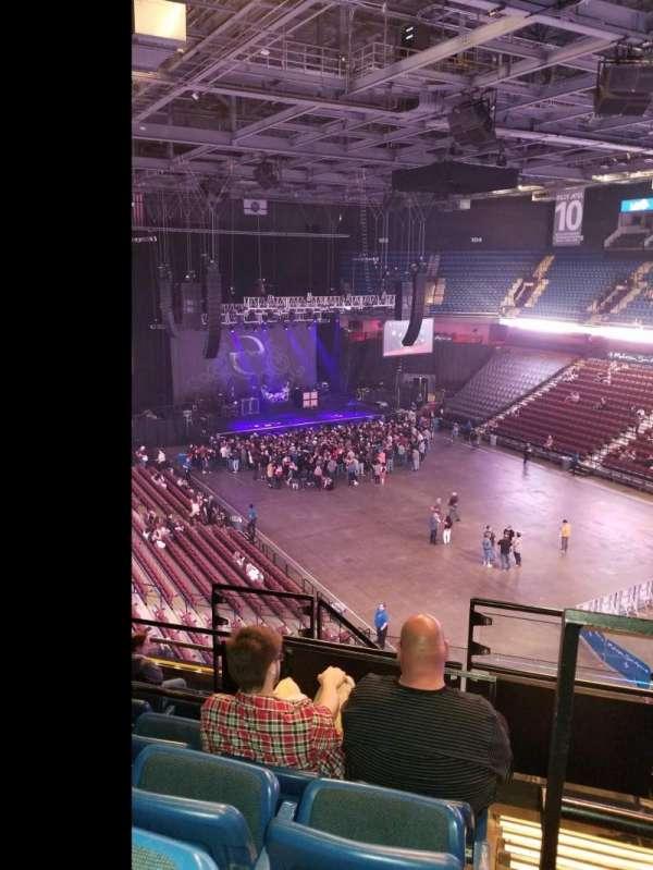 Mohegan Sun Arena, vak: 115, rij: J, stoel: 10