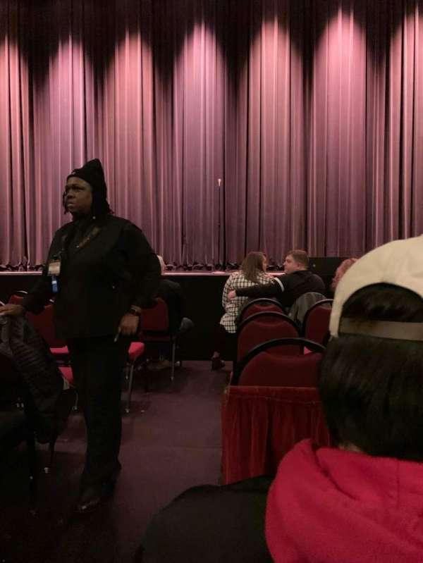 Chicago Theatre, vak: MNFL4R, rij: BB, stoel: 402