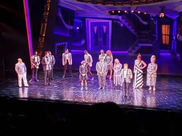 Winter Garden Theatre, vak: Mezzanine RC, rij: F, stoel: 142