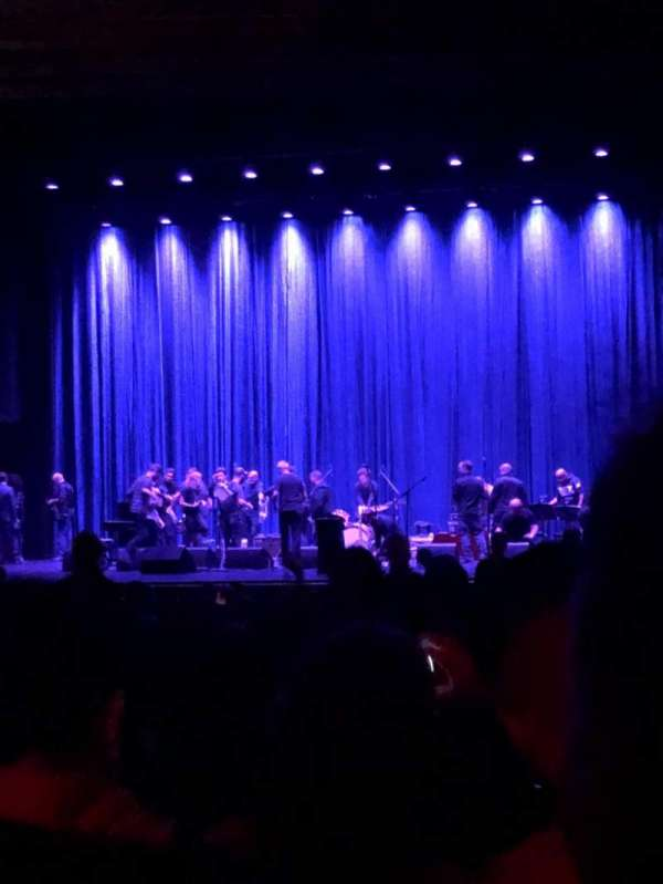 Beacon Theatre, vak: Orchestra 2, rij: W, stoel: 4