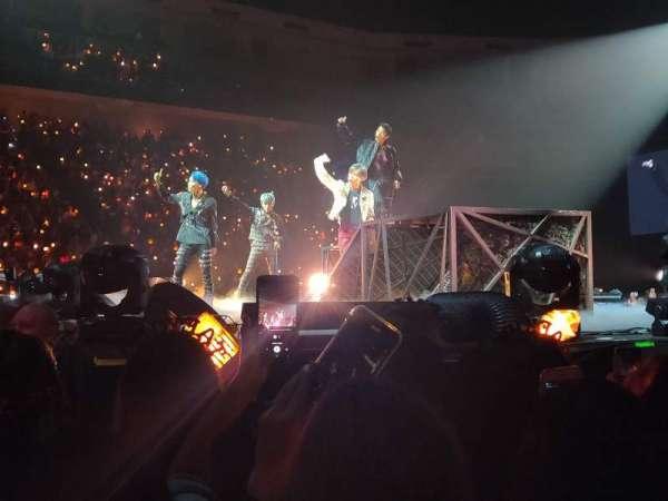 Infinite Energy Arena, vak: FLoor 1, rij: X, stoel: 3