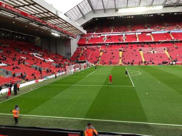 Anfield, vak: KM, rij: 14, stoel: 200
