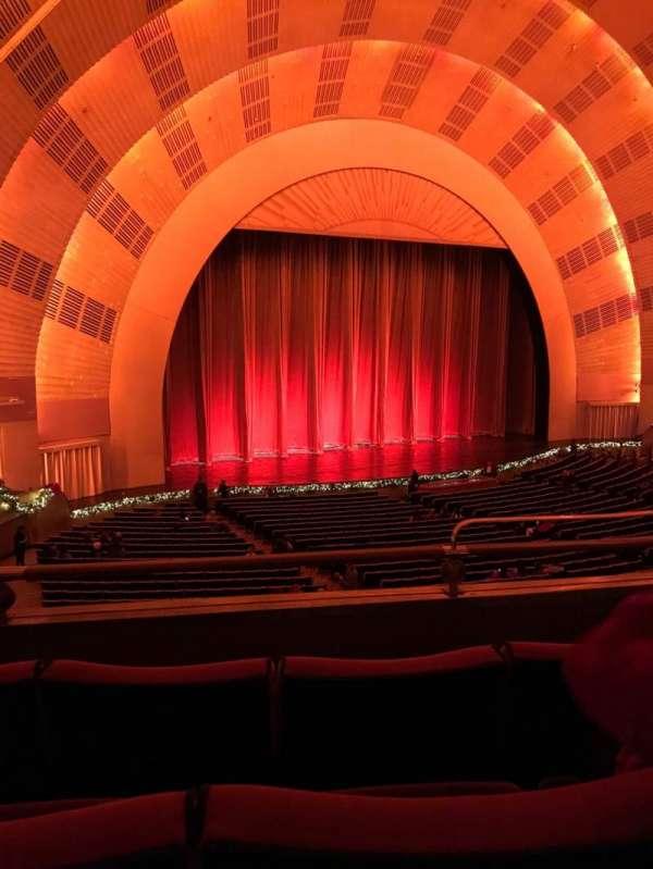 Radio City Music Hall, vak: 1st Mezzanine 7, rij: B, stoel: 704