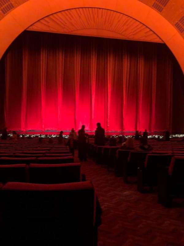 Radio City Music Hall, vak: Orchestra 5, rij: XX, stoel: 501