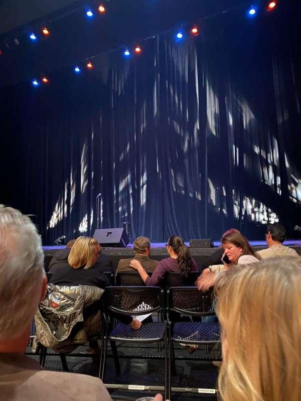 Keller Auditorium, vak: Orchestra D, rij: PB, stoel: 5