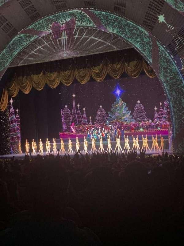 Radio City Music Hall, vak: ORCHESTRA 2, rij: P, stoel: 201