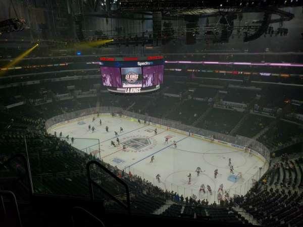 Staples Center, vak: 331, rij: 5, stoel: 10