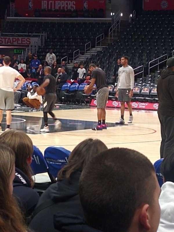 Staples Center, vak: 111, rij: 3, stoel: 10