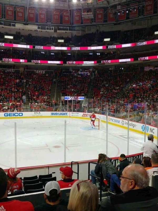 PNC Arena, vak: 102, rij: J, stoel: 3