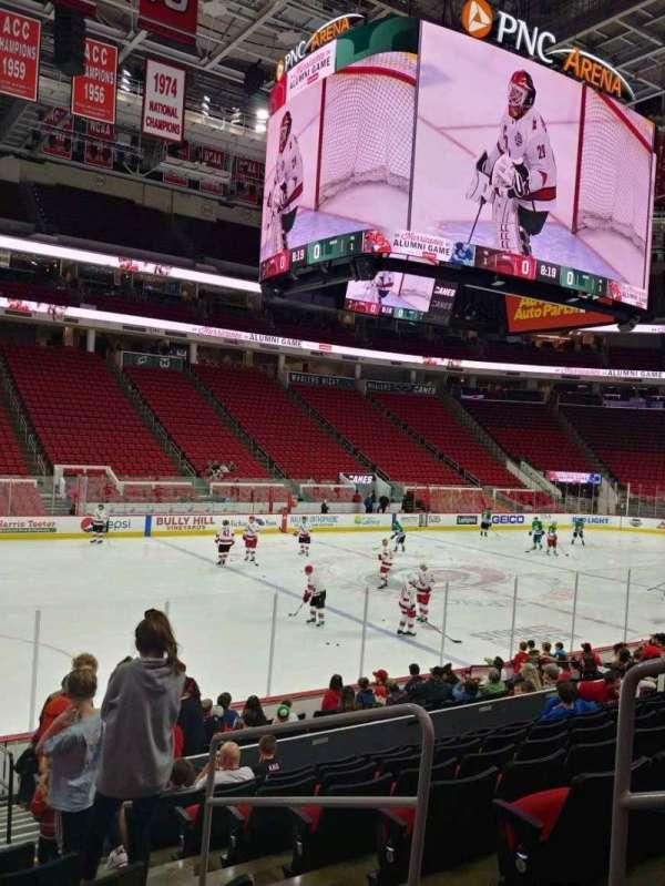 PNC Arena, vak: 122, rij: P, stoel: 3
