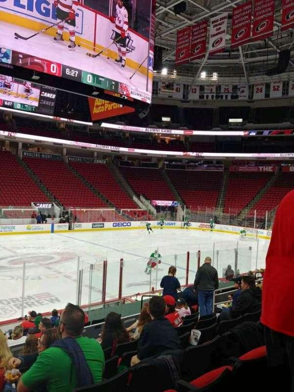 PNC Arena, vak: 120, rij: N, stoel: 13