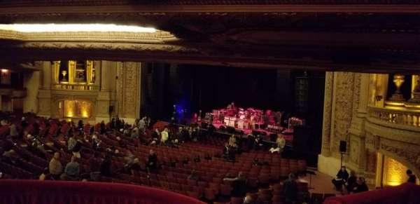 Chicago Theatre, vak: Mezzanine Box F, stoel: 3