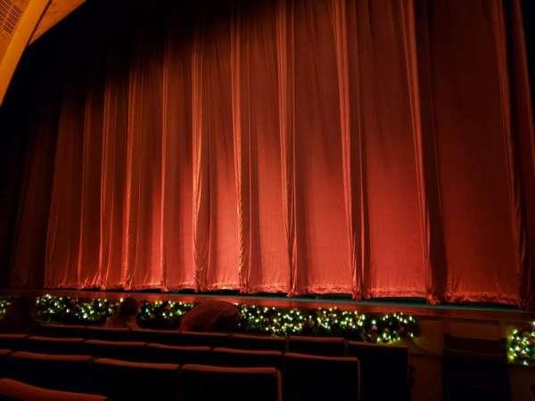 Radio City Music Hall, vak: Orchestra 2, rij: HH, stoel: 214