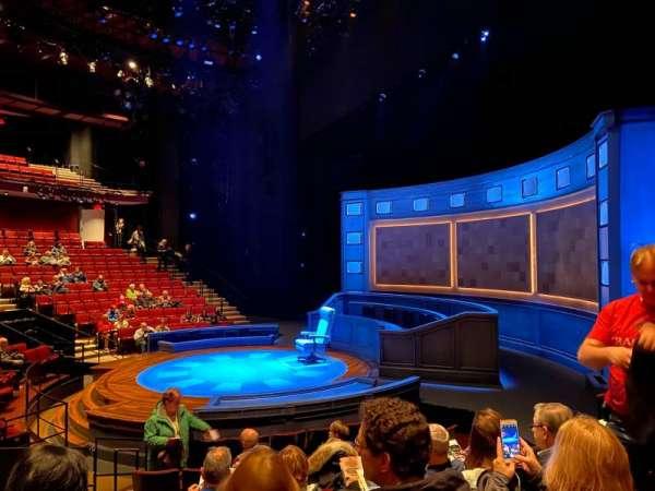 Vivian Beaumont Theater, vak: Orchestra R, rij: K, stoel: 509