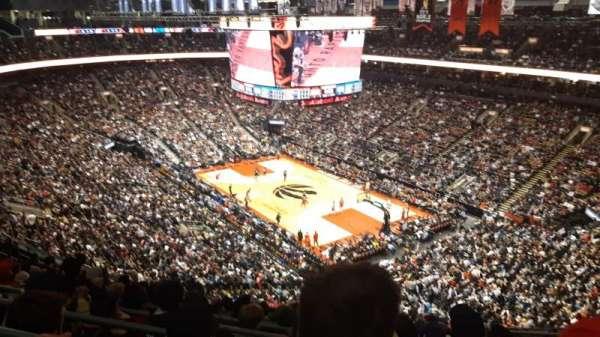 Scotiabank Arena, vak: 318, rij: 12, stoel: 11