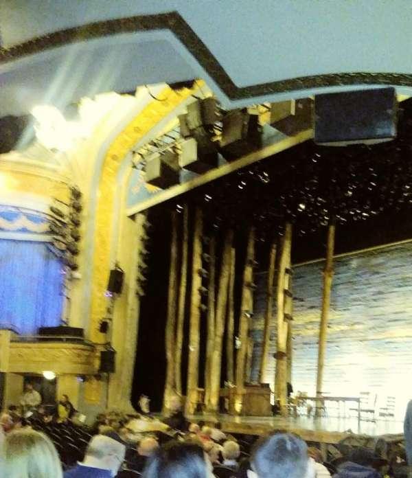 Schoenfeld Theater, vak: Orchestra, rij: M, stoel: 28