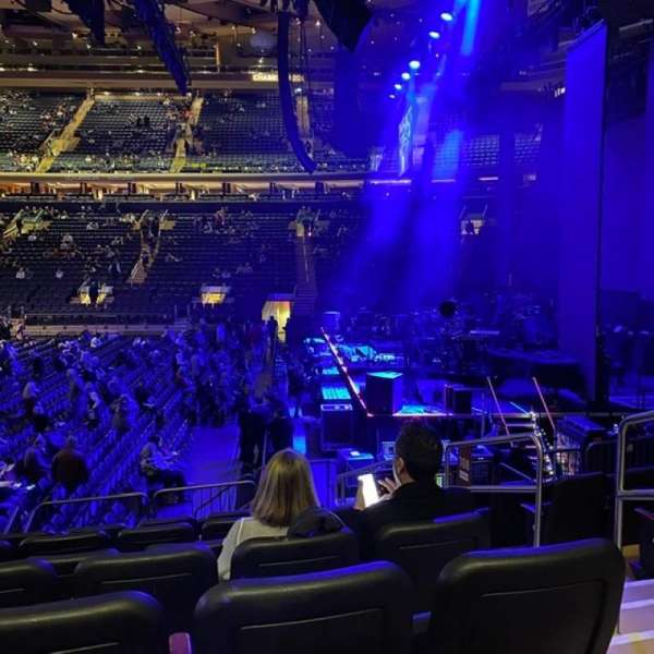 Madison Square Garden, vak: 108, rij: D, stoel: 20