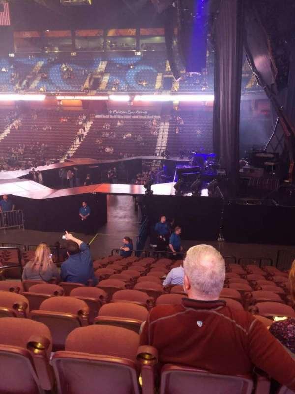 Mohegan Sun Arena, vak: 14, rij: P, stoel: 14