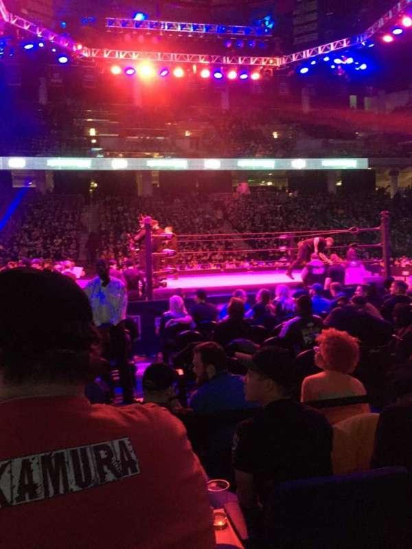 Wintrust Arena, vak: 109, rij: DD, stoel: 12