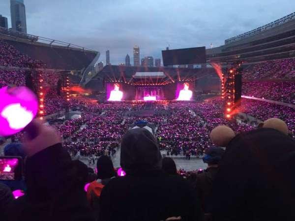 Soldier Field, vak: 322, rij: 8, stoel: 21