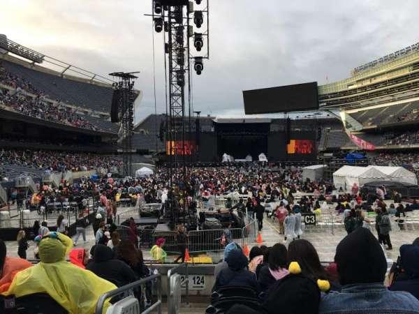 Soldier Field, vak: 124, rij: 8, stoel: 1