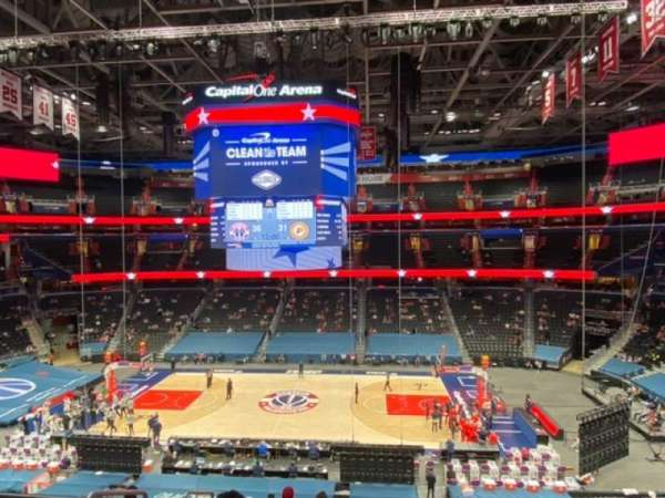 Capital One Arena, vak: 201, rij: H, stoel: 3