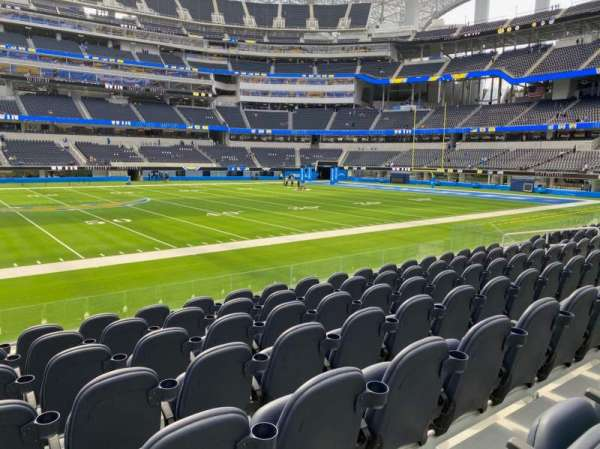 SoFi Stadium, vak: 131, rij: 7, stoel: 17