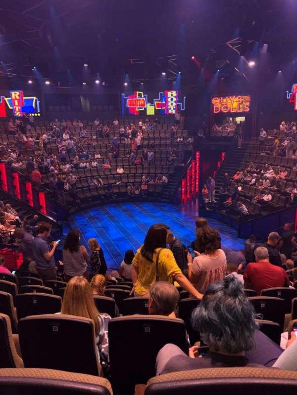 Hale Centre Theatre, vak: South, rij: 10, stoel: 19