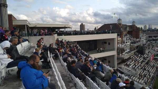 Kia Oval, vak: Lock Balcony, rij: Bar, stoel: Bar