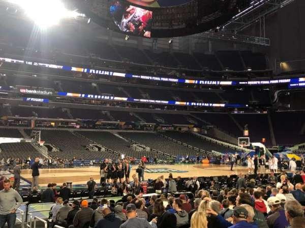 U.S. Bank Stadium, vak: V5, rij: N, stoel: 4