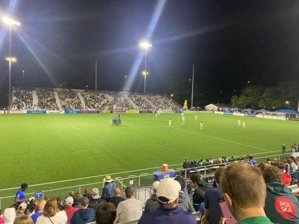 Dillon Stadium, vak: 3, rij: P, stoel: 13