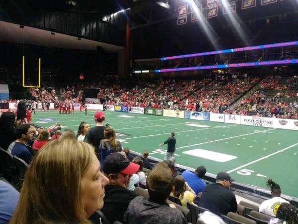 VyStar Veterans Memorial Arena, vak: 108, rij: G, stoel: 4