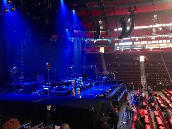 Little Caesars Arena, vak: 125, rij: 10, stoel: 1