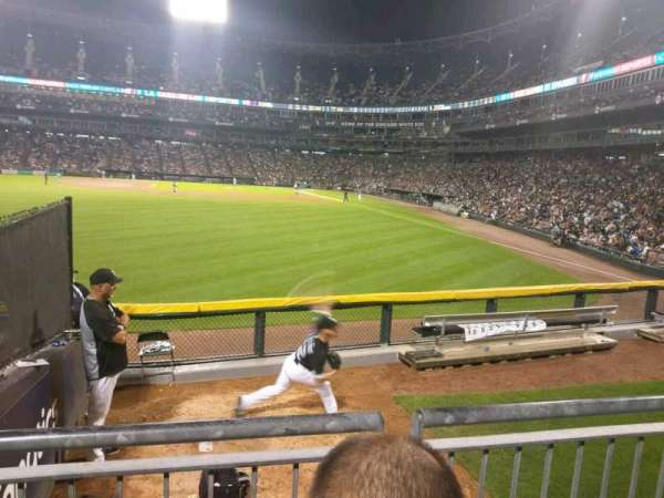 Guaranteed Rate Field, vak: 158, rij: 9, stoel: 22